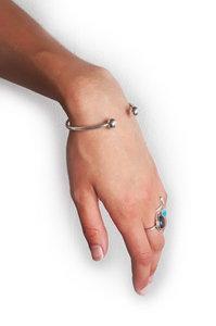Leliveld - Aardende en centrerende lichtgewichtEnergetische armband