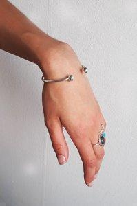 Leliveld - Aardende en centrerende lichtgewichtEnergetische-armband